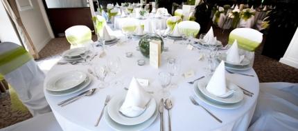 Álomszép esküvő Tatán az Old Lake Golf Hotel-ben